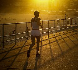 Jogging. Foto: Flickr by Ernst Moeksis