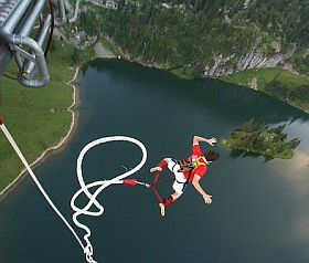 Bungee Jumping. Foto: Flickr/carla777@sbcglobal.net