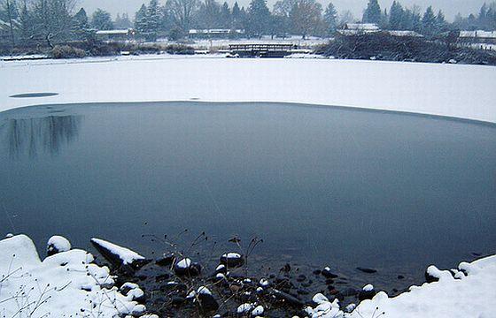 Zugefrorener See. Foto: Flickr/Sgoldandglimmer